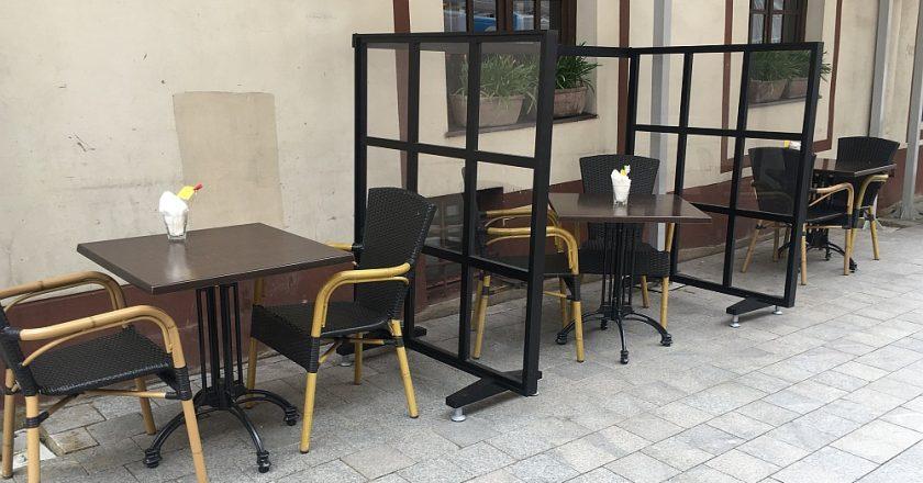 Pertvaros lauko kavinėse: papildoma apsauga klientams ir pagalba verslui